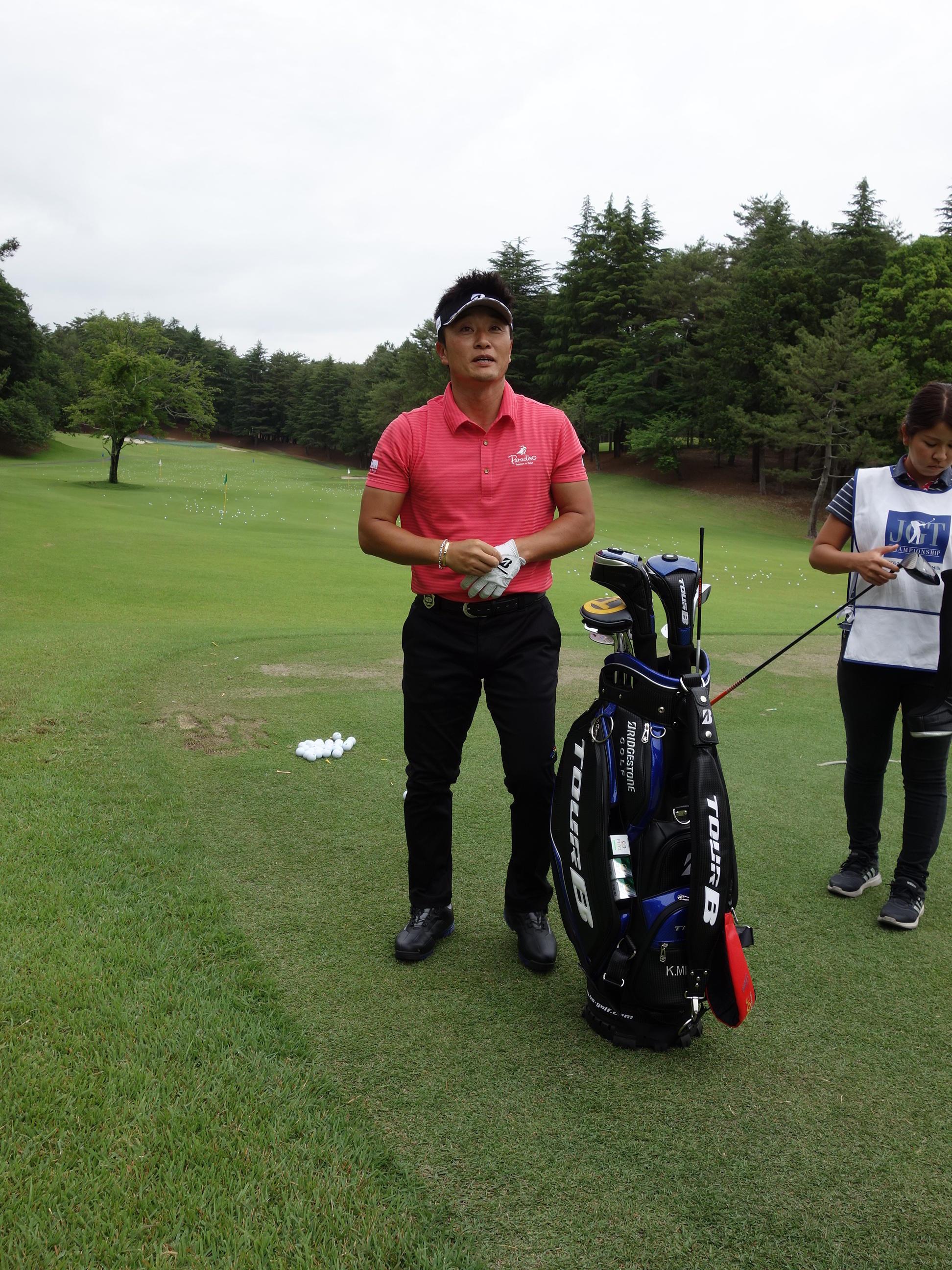 https://www.bs-golf.com/pro/3a299e2a897aa4553de7e5e7ed8415025c0b0f97.JPG