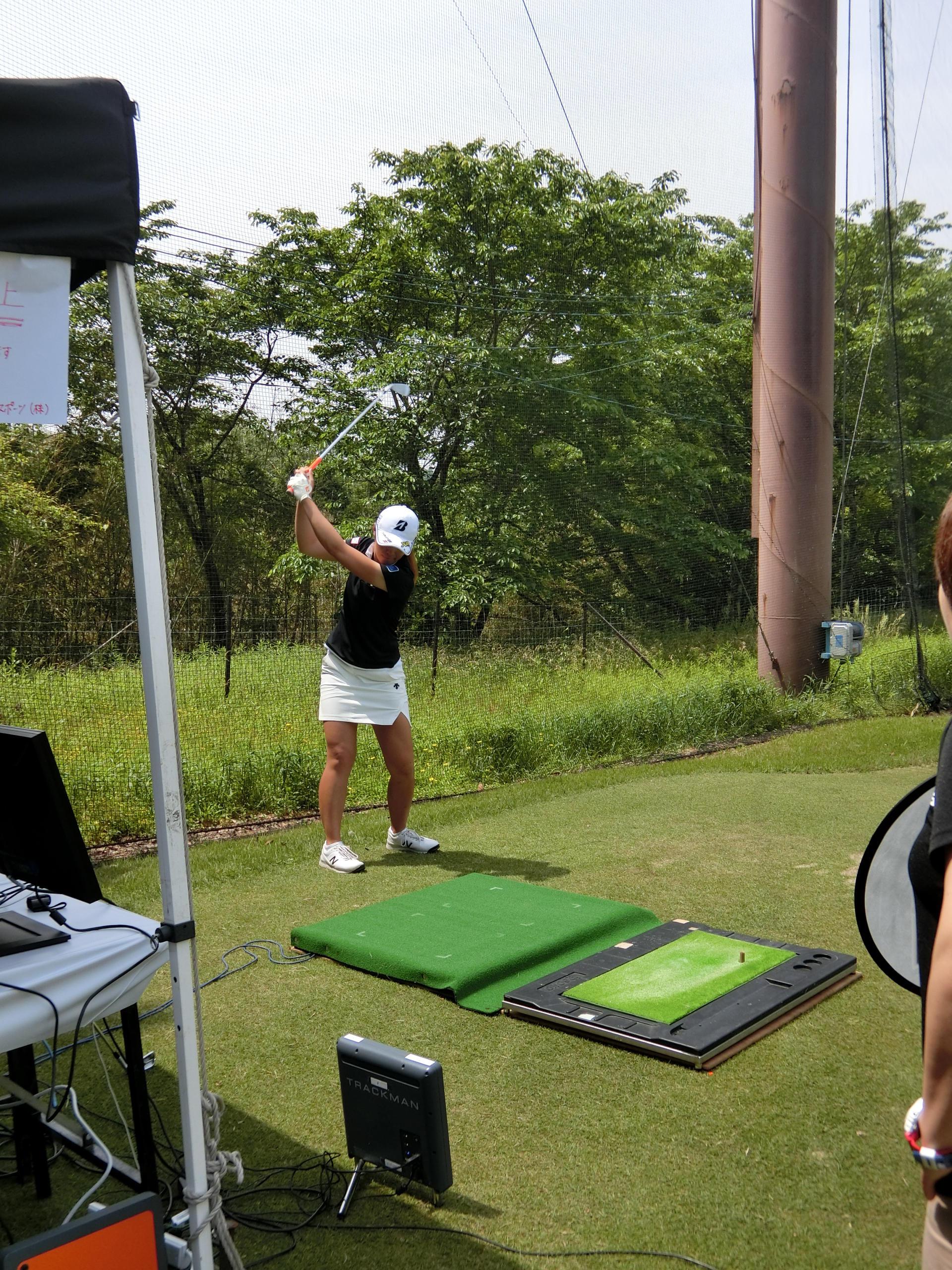 http://www.bs-golf.com/pro/5f6fb7e3d376cafb3701b9e885a3127aaff80d96.JPG